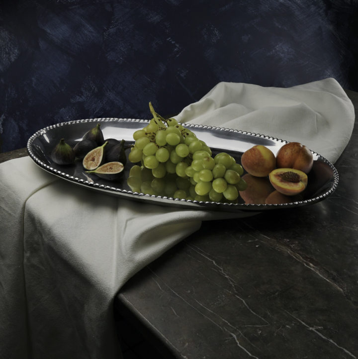 pearl-oval-centerpiece-tray